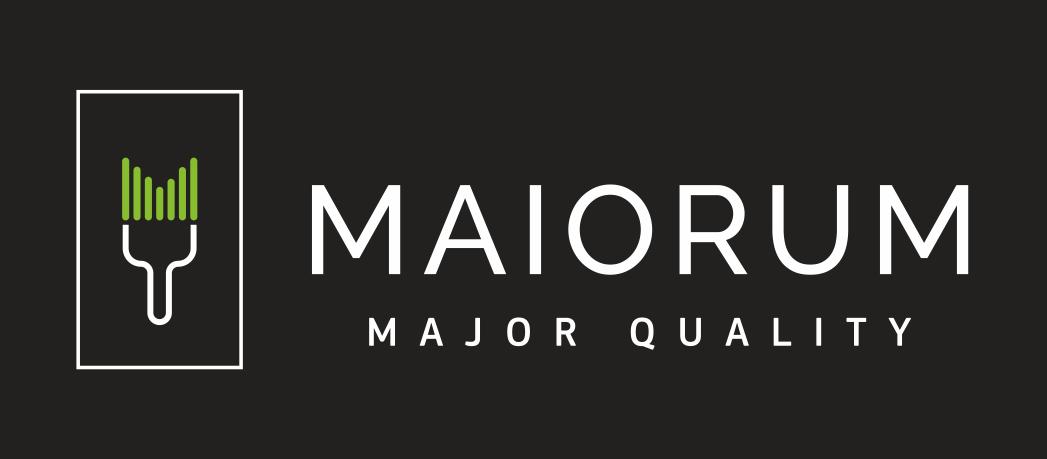 MAIORUM_logotipas_su_sukiu_tamsiame_fone